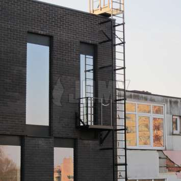 Antwerp style egress ladder with balcony and rooftop access