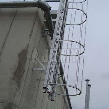 Counterbalanced ladder in an industrial environment