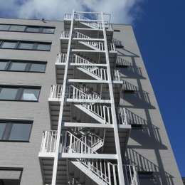 Security solutions: the evacuation stairs as the preferred solution, the escape ladder as a substitute solution and other less known egress systems like a descent device or balcony ladders.