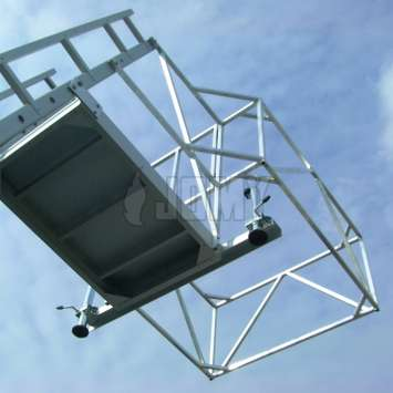 Protection cage of the aluminium tanker trailer access ladder.