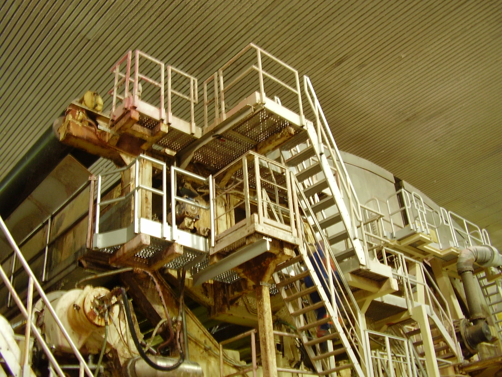 Machine access stairs in aluminum