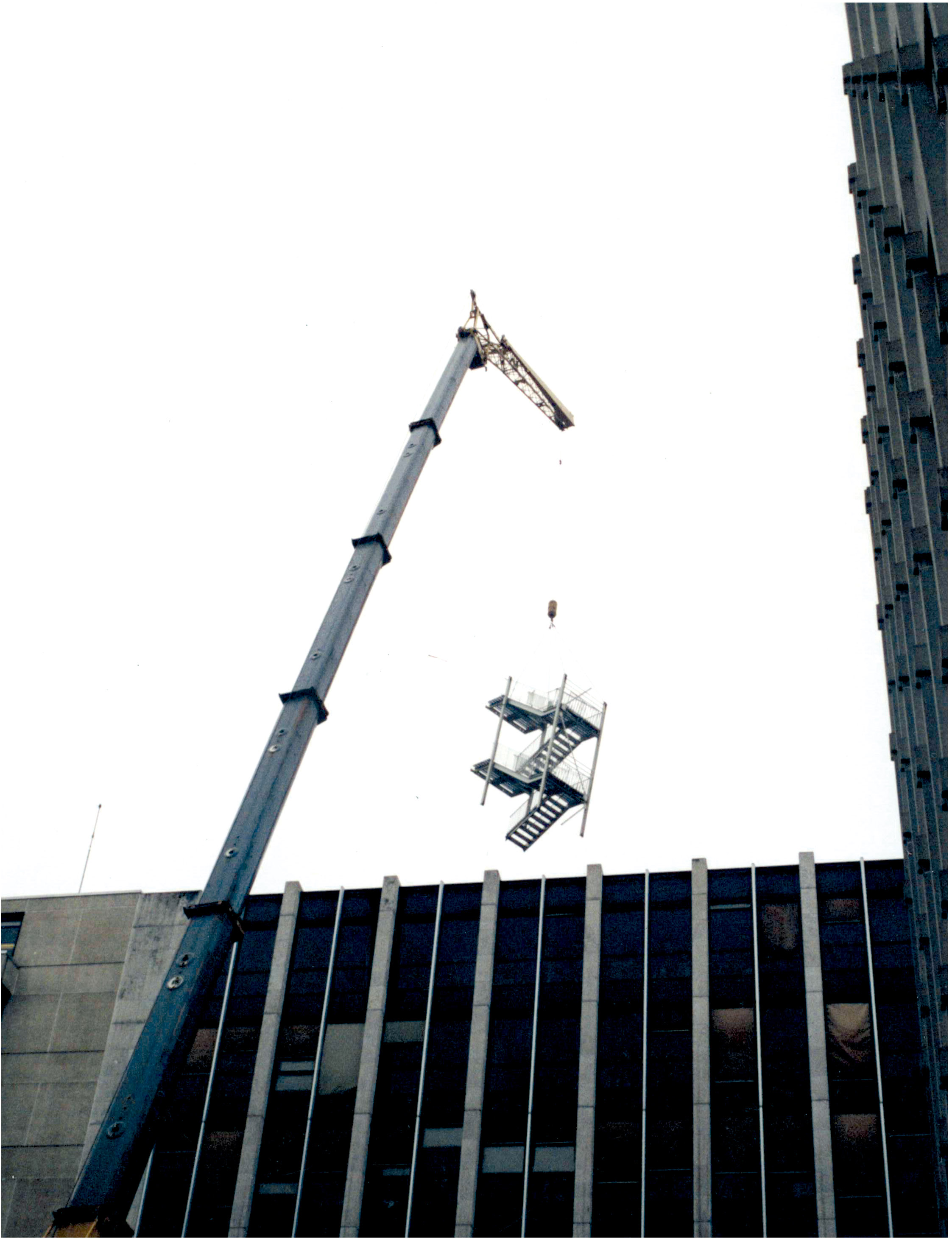 Need of a big crane for steel stairs